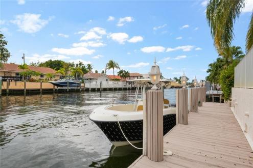 Дом класса люкс на продажу  Флорида, 200 м², 3 Спальни, 1095000€