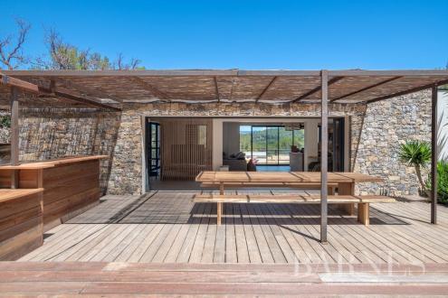 Villa di lusso in vendita SIX FOURS LES PLAGES, 190 m², 3 Camere, 1575000€