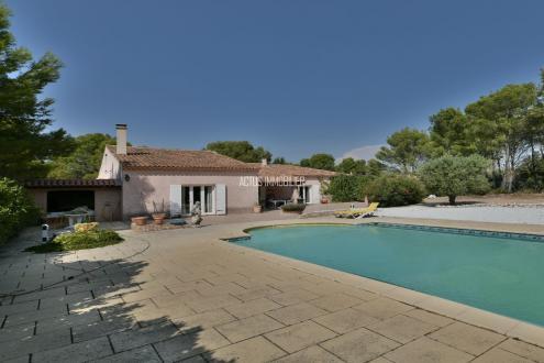 Maison de luxe à vendre SALON DE PROVENCE, 230 m², 4 Chambres, 730000€