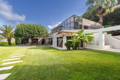 Вилла класса люкс на продажу  Ницца, 310 м², 4 Спальни, 3490000€