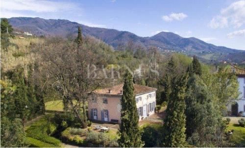 Luxus-Villa zu verkaufen CAPANNORI, 490 m², 7 Schlafzimmer, 1700000€