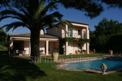 Casa di lusso in affito GRIMAUD, 165 m², 2 Camere,