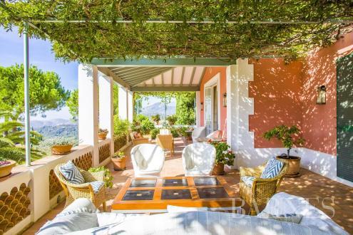 Вилла класса люкс на продажу  Испания, 1037 м², 6 Спальни, 6500000€
