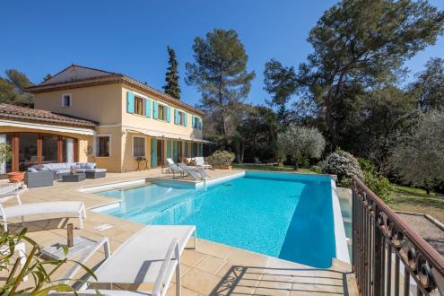 Casa di lusso in affito VALBONNE, 223 m², 4 Camere,