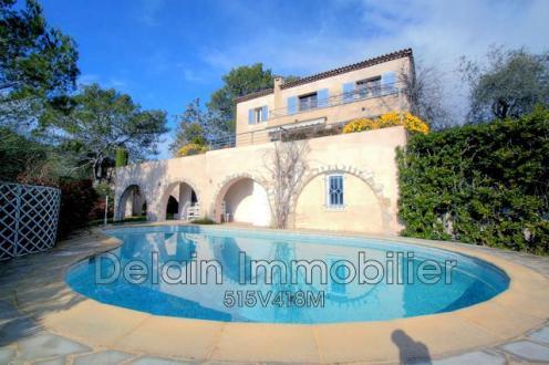 Luxus-Villa zu verkaufen LA COLLE SUR LOUP, 224 m², 4 Schlafzimmer, 829000€