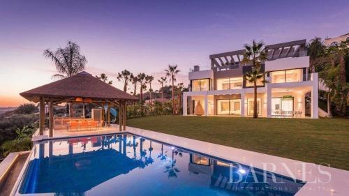 Вилла класса люкс на продажу  Испания, 800 м², 5 Спальни, 4450000€