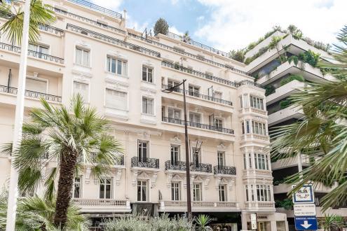 Квартира класса люкс на продажу  Монако, 150 м², 3 Спальни, 10500000€
