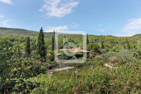 Propriété de luxe à vendre SEILLANS, 307 m², 5 Chambres, 1200000€