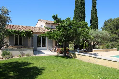 Luxury House for rent EYGALIERES, 140 m², 5 Bedrooms,
