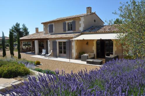Maison de luxe à vendre EYGALIERES, 200 m², 1365000€