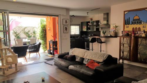 Дом класса люкс на продажу  Бордо, 140 м², 4 Спальни, 750000€