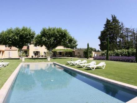 Luxury House for rent LAGNES, 300 m²,