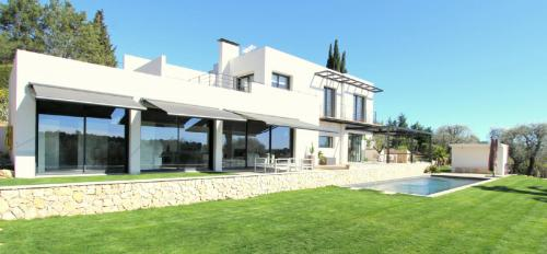Luxury House for rent VALBONNE, 200 m², 3 Bedrooms,