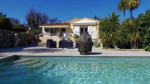 Villa de luxe à vendre GRASSE, 210 m², 4 Chambres, 795000€