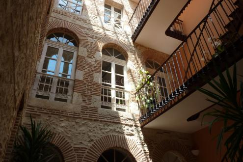 Luxury Town house for sale AGEN, 456 m², 5 Bedrooms, € 924 000