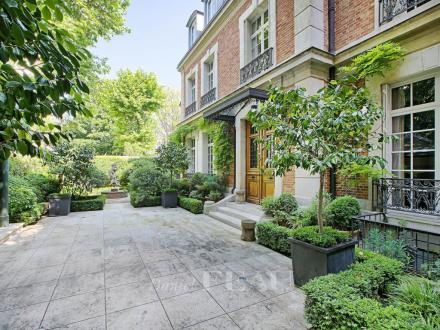 Maison de luxe à vendre PARIS 6E, 353 m², 4 Chambres, 20000000€