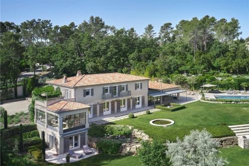 Maison de luxe à vendre TOURRETTES, 385 m², 5 Chambres, 7350000€