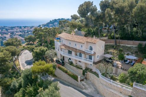 Villa de luxe à vendre ROQUEBRUNE CAP MARTIN, 298 m², 6 Chambres, 2200000€