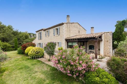 Farm de luxe à vendre LES BAUX DE PROVENCE, 200 m², 4 Chambres, 1990000€