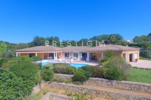 Villa de luxe à vendre VALBONNE, 230 m², 5 Chambres, 1680000€