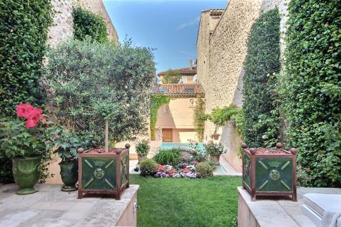 Luxury House for sale AIX EN PROVENCE, 200 m², 7 Bedrooms, €560000