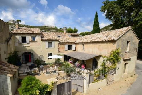Villa de luxe à vendre MAUSSANE LES ALPILLES, 305 m², 4 Chambres, 1360000€
