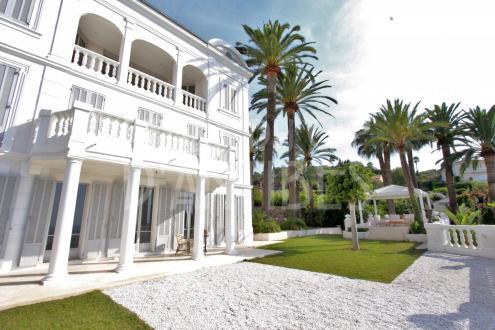Maison de luxe à louer LE GOLFE JUAN, 450 m², 5 Chambres,