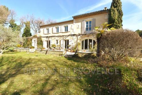 Maison de luxe à vendre OPPEDE, 212 m², 5 Chambres, 1295000€