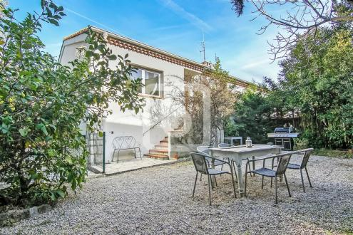 Вилла класса люкс на продажу  Кап д'Антиб, 160 м², 6 Спальни, 1060000€