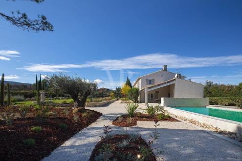 Luxury House for sale EYGALIERES, 450 m², 5 Bedrooms, € 3 990 000