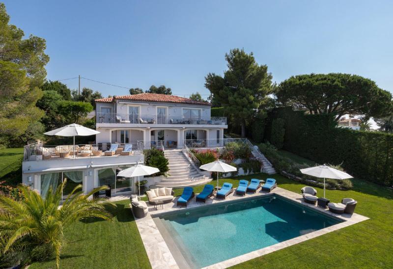 Casa di lusso in affito VALLAURIS, 250 m², 4 Camere,