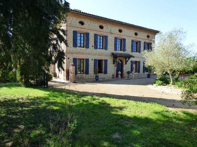 Maison de prestige GIROUSSENS, 600 m², 10 Chambres, 654000€