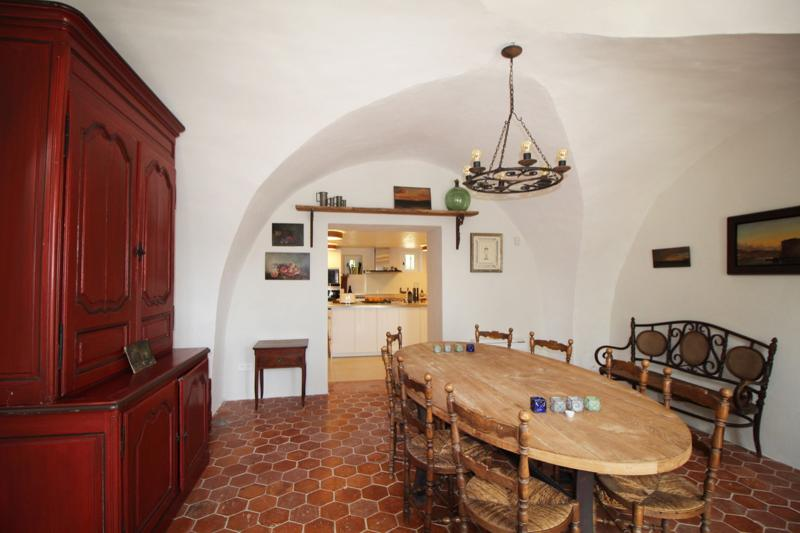 Luxury House for rent EYGALIERES, 250 m², 5 Bedrooms,