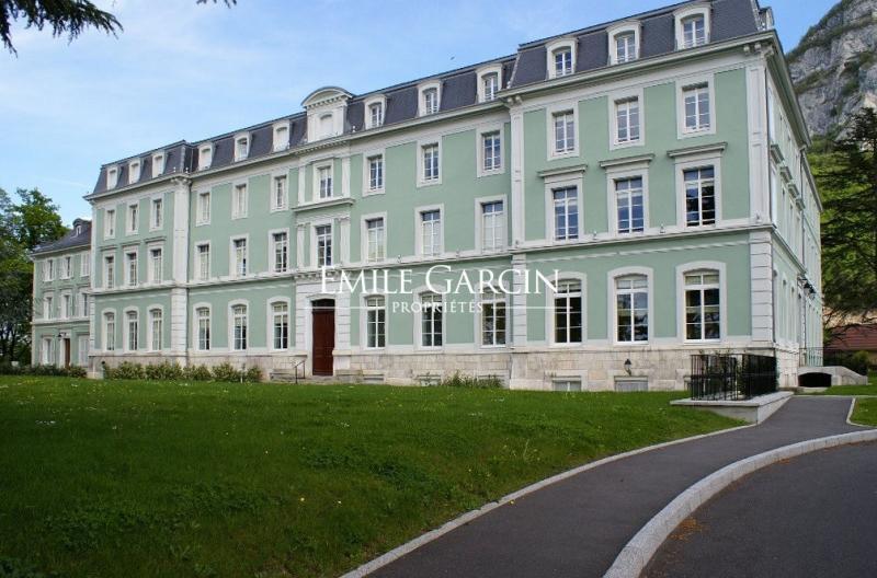Verkoop Prestigieuze Appartement ETREMBIERES