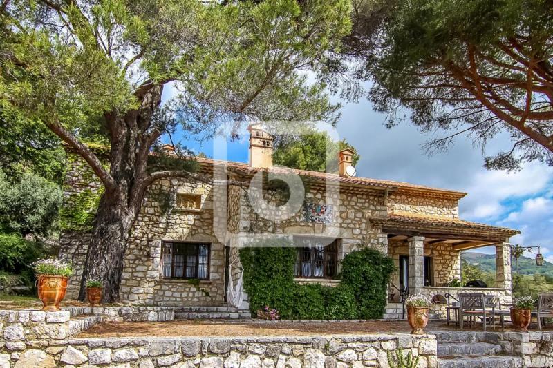 Propriété de prestige TOURRETTES SUR LOUP, 200 m², 5 Chambres, 1495000€
