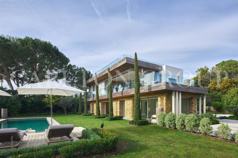 Luxury House for rent CAP D'ANTIBES, 330 m², 5 Bedrooms,