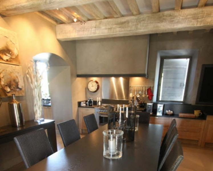 Casa di lusso in affito EYGALIERES, 150 m², 3 Camere, 3950€/mese