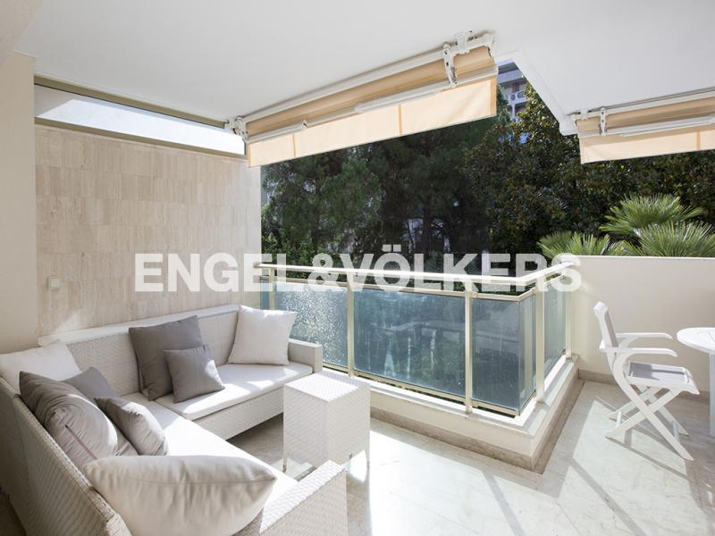 Prestige Apartment CANNES, 73 m², 3 Bedrooms, €845000