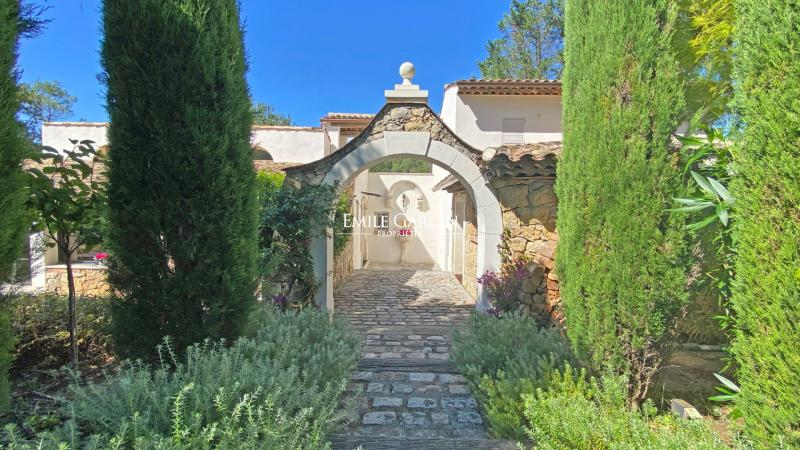 Location Maison de prestige MOUGINS