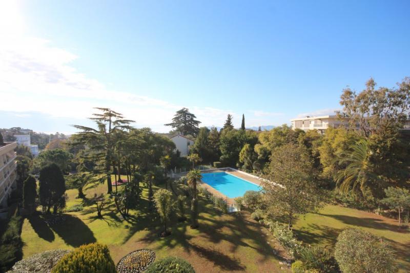 Appartement de prestige CANNES, 84 m², 2 Chambres, 599000€