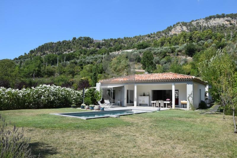 Maison de prestige BUIS LES BARONNIES, 155 m², 3 Chambres, 684000€