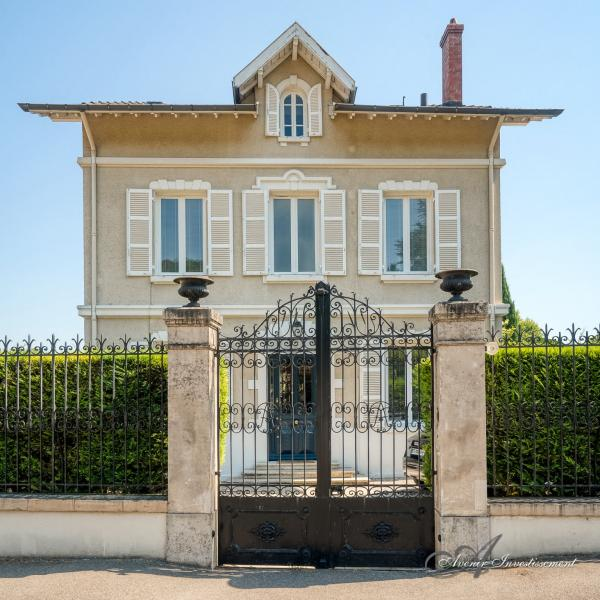 Vendita Casa di prestigio NEYRON