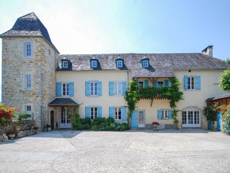 Sale Prestige Castle OLORON SAINTE MARIE