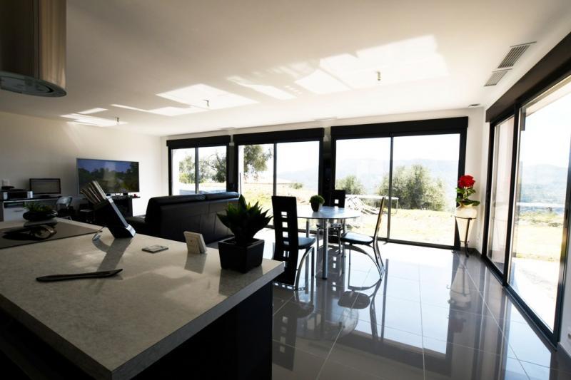 Propriété de prestige CONTES, 110 m², 3 Chambres, 599000€