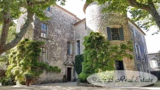 Verkauf Prestige-Schloss / Herrenhaus UZES