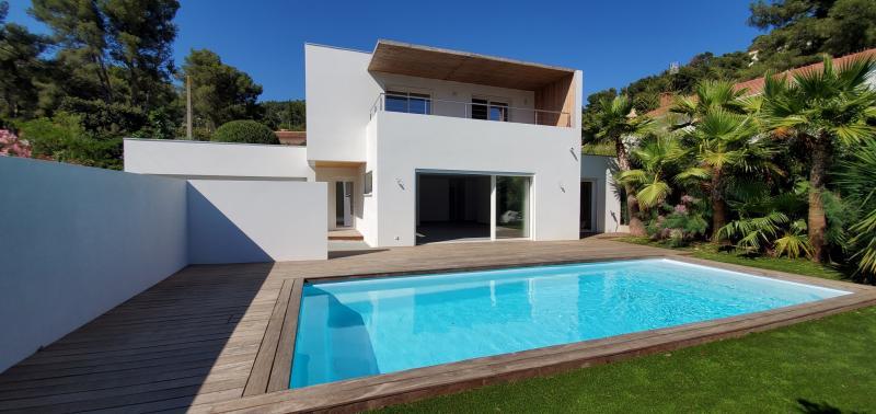 Sale Prestige Villa CARQUEIRANNE