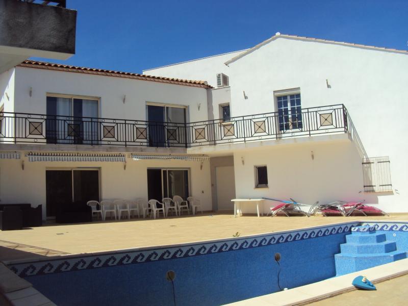 Maison de prestige SAINT GILLES, 340 m², 7 Chambres, 525000€