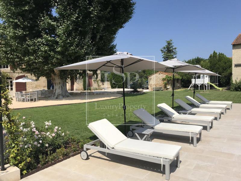 Maison de luxe à louer FONTVIEILLE, 280 m², 4 Chambres,