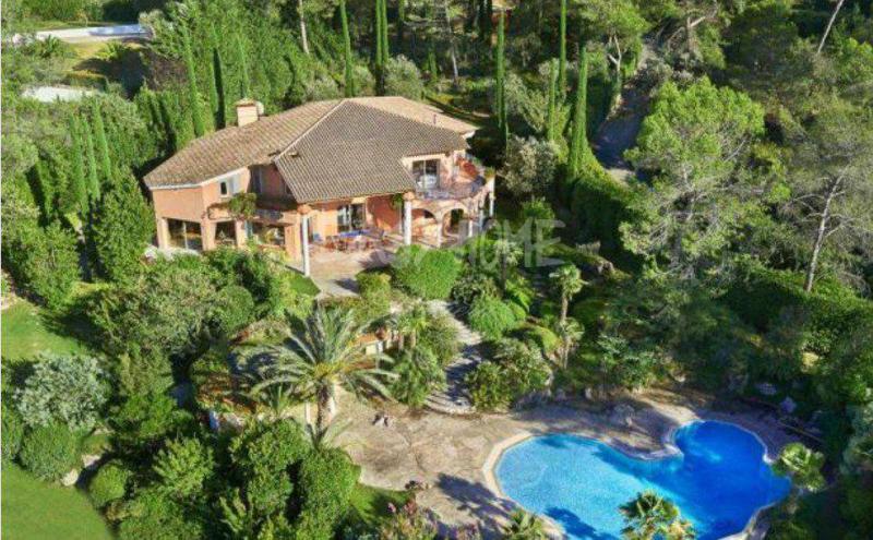 Дом класса люкс Муан-Сарту, 600 м², 7 Спальни, 2600000€
