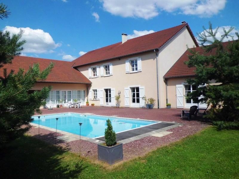 Prestige-Liegenschaft NEUFCHATEAU, 619 m², 7 Schlafzimmer, 983250€
